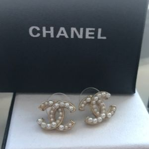 Chanel Authentic Pearl Earrings